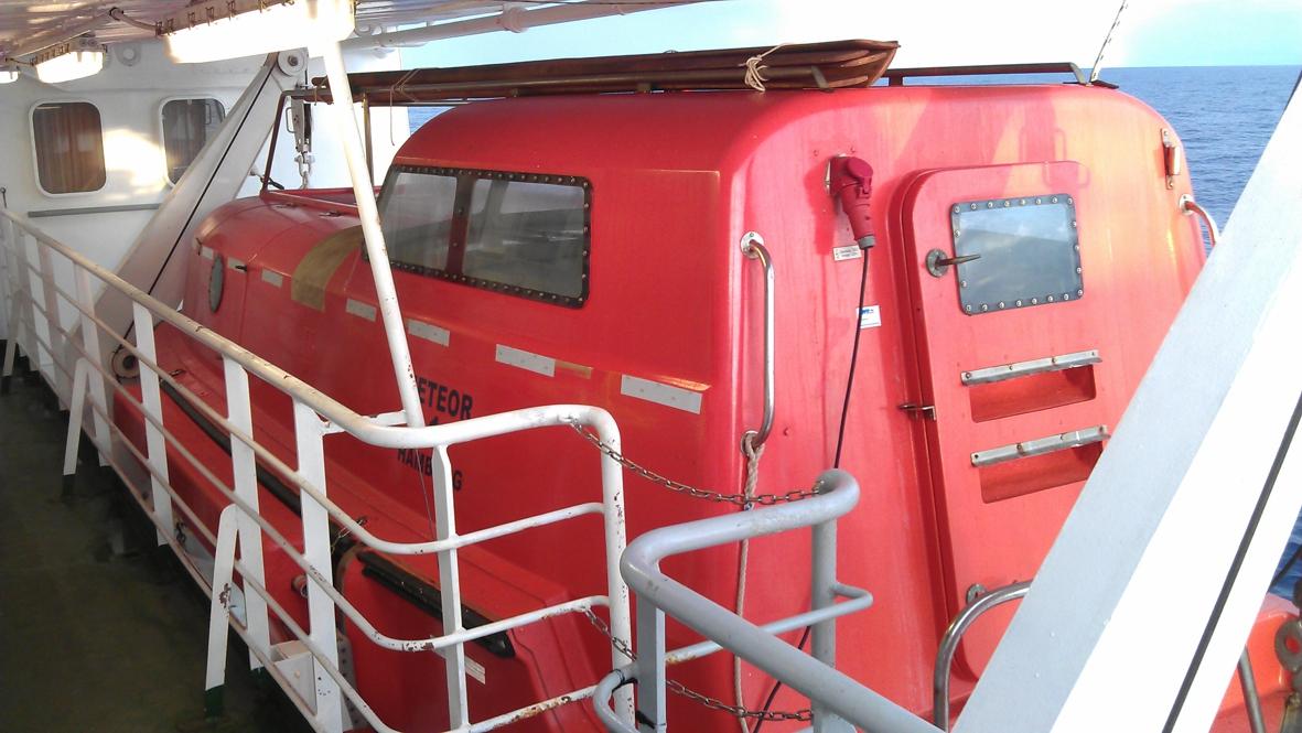 2012-10-16-lifeboat1